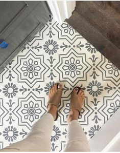 29 Wonderful Farmhouse Bathroom Tile Floor Decor Ideas And Remodel To Inspire Your Bathroom. If you are looking for Farmhouse Bathroom Tile Floor Decor Ideas And Remodel To Inspire Your Bathroom, You. Küchen Design, Tile Design, Design Ideas, Design Inspiration, Floor Design, Rustic Design, Layout Design, Pattern Design, Tile Installation