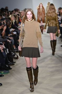 New York Fashion Week Trends: Knee-high boots - For the past few years, it seems women have bypassed tall boots in favor of more modern-feeling booties, but that's set to change come fall. Fall Fashion Trends, Autumn Fashion, Fall Looks, Everyday Outfits, New York Fashion, Street Wear, My Style, Stuff Stuff, Belstaff