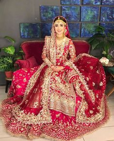 Pakistani Wedding Outfits, Indian Bridal Outfits, Pakistani Bridal Dresses, Pakistani Dress Design, Bridal Wedding Dresses, Beautiful Indian Brides, Beautiful Pakistani Dresses, Lehenga Color Combinations, Desi Bride