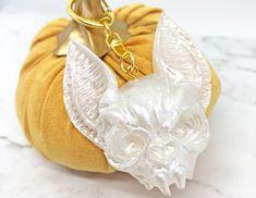 White Halloween Cat Keychain - 3