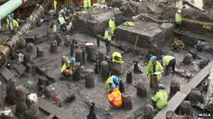 'Entire streets' of Roman London uncovered in the City by MOLA at the Bucklersbury/Bloomberg site through which the River Walbrook flowed leading to amazing archaeological preservation. London History, British History, Ancient Rome, Ancient History, Roman Britain, Europe News, Roman History, London Life, Old London