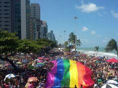 15ª Parada da Diversidade leva empoderamento às ruas de Recife