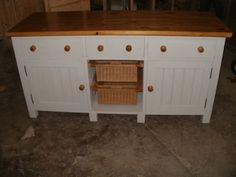 Freestanding Painted Kitchen Unit with Basket Drawers.  (BBC 07)