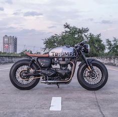 Triumph Thruxton 1200 by Triumph Cafe Racer, Cafe Racer Bikes, Cafe Racer Motorcycle, Cool Motorcycles, Triumph Motorcycles, Custom Cafe Racer, Cafe Racer Build, Zeus Custom, Volvo
