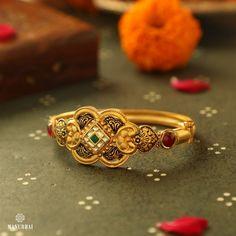 Gold Bridal Jewellery Sets, Fancy Jewellery, Latest Jewellery, Gold Diamond Earrings, Diamond Jewellery, Gold Bangles Design, Jewelry Design, Manubhai Jewellers