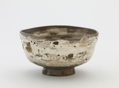 Joseon period, second half of 17th century Korea, Gyeongsangnam-do province, Hansu kiln Stoneware with white slip inlaid and brushed under clear glaze