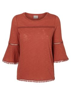 Flared top from VERO MODA. We love the 70s trend!