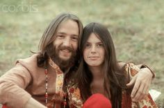 Peter Tork and Girlfriend/Drummer Reine Stewart, 1969-70 http://wheresthatsoundcomingfrom.blogspot.jp/2012/01/there-they-go-walking-down-street-and.html