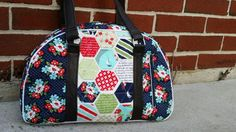 Check out this item in my Etsy shop https://www.etsy.com/listing/233316753/betty-bowler-bag-blue-red-green-foral #moda #daysail #swoonpattern #betty #ThreeSistersCo