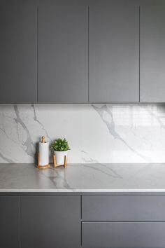 Check out this Scandinavian-style HDB Kitchen and other similar styles on Qanvast. Scandinavian Kitchen, Scandinavian Style, Smart Kitchen, New Kitchen, Modern Kitchen Design, Interior Design Kitchen, Home Decor Kitchen, Home Kitchens, Interior Design Singapore