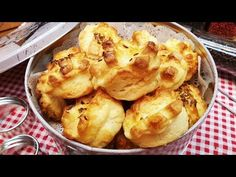 Zsíros pogácsa Boldog újévet / Szoky konyhája / - YouTube Savory Pastry, Cauliflower, Baking, Vegetables, Youtube, Food, Pastries, Anna, Cauliflowers