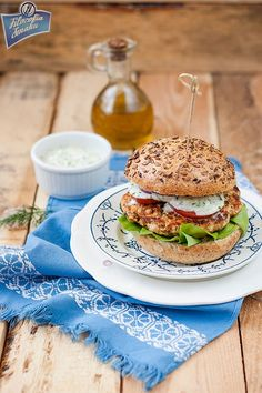 Healthy Chicken, Salmon Burgers, Food Videos, Fitness, Food And Drink, Healthy Recipes, Cooking, Ethnic Recipes, Box Lunches