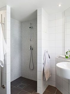 Walk-In Showers without Doors | Photo Gallery of the The Comfort Of Walk in Shower Designs