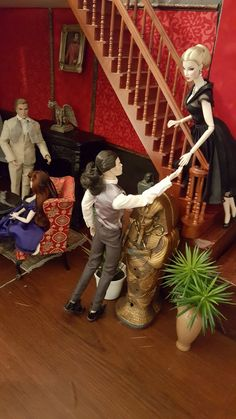 Love at first bite. King William, Dollhouses, Action Figures, First Love, Scale, Barbie, Miniatures, Homes, Artist