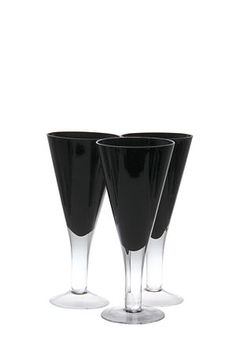 These large urban 3 pack wine glasses are hand blown and available across colour. Select the colour that best suits your table and party setting.
