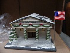 "Vintage MIRACLE ON 34TH STREET ""CourtHouse"" LIGHTED BUILDING In BOX"