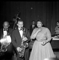 Ella Fitzgerald & Stan Getz, Coleman Hawkins looks like he may prefer to be somewhere else. London Palladium, 1958