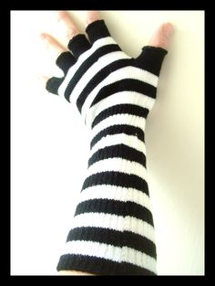 Black & White Knit Hobo Gloves Only $6.37 through March 23, 2013 25%OFF Site Wide includes Clearance! ButtercupClothing.Net