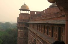 #places to visit: Agra fort, Agra, India. It's a perfect combination of architecture strength and beauty.