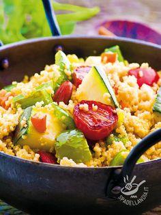 Il Couscous di verdure è un piatto intramontabile, un must della cucina etnica che piace a tutti e apporta nutrienti preziosi senza appesantire.