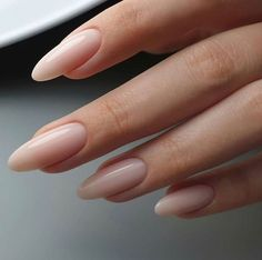 Fashionable Outfits Almond Acrylic Nails, Oval Acrylic Nails, Crackle Nails, Minimalist Nails, Minimalist Fashion, Nagel Gel, Gel Nail Designs, Nails Design, Dream Nails