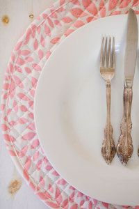 Reversibel Quilted Cloth Placemats | Hen House Linens #placemat