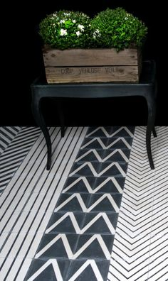 Kelim black & white tiles | floor pattern | Marrakech Design