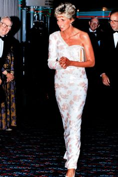 When it came to fashion, Princess Diana knew exactly what she was doing. From 'The Revenge Dress' to the 25ft wedding train she so elegantly dragged behind her on her big day, Diana's style moments were well thought out and planned down to a fault.