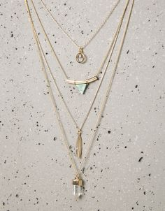Triangle stone and feather necklaces - Jewellery - Bershka Serbia