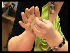 (2214) ▶ Ремесло 42: Елочные украшения из ваты - YouTube | Папье-маше - papier-mache - de papel maché | Pinterest