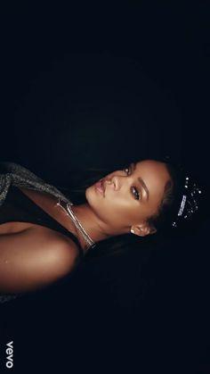 My Wallpapers Page Moda Rihanna, Rihanna Mode, Rihanna Fan, Rihanna Style, Rihanna Daily, Rihanna Outfits, Bad Gal, Bad Girl Aesthetic, Celine