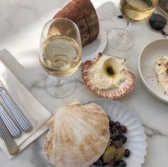 Jolielot I Marlot Good Food, Yummy Food, Tasty, Jai Faim, Aesthetic Food, Aesthetic Collage, Ratatouille, Bon Appetit, Wine Recipes