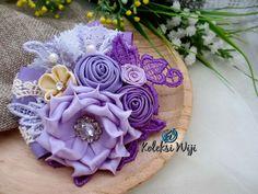 http://koleksiwiji.com/product/sweet-my-lavender Sweet My Lavender Size : 9 cm Colours : perpaduan gradasi warna pastel ungu Materials : satin and grosgrain ribbon, lace, and beads  bros bunga, bros cantik, bros hijab, bros kain, Bros korsase, koleksiwiji, pins bros -  - #BrosBunga, #BrosCantik, #BrosHijab, #BrosKain, #BrosKorsase, #Koleksiwiji, #PinsBros -