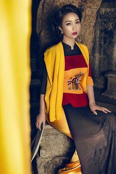 Mai Thu Huyền truyền tải thông điệp kết nối qua BST 'Thế giới như tôi thấy' - Teen360 Thông qua bộ sưu tập này, Mai Thu Huyền cũng như NTK Đỗ Trình Hoài Nam muốn đề cao mối quan hệ ngoại giao, tính hòa nhập thông qua bộ sưu tập này từ đó hình ảnh áo dài Việt Nam sẽ bay cao bay ra ngoài thế giới.