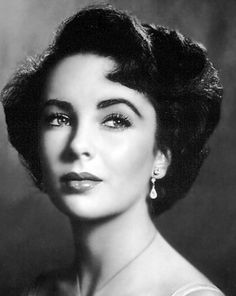 Elizabeth Taylor was sooooo pretty