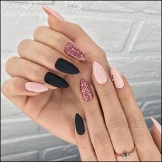 88 Best Matte Nail Art Ideas, 45 Cool Matte Nail Designs to Copy In 30 Fancy Matte Nail Art Designs Ideas You Need to Try Right, 40 Pretty Matte Nail Art Designs Ideas Spring 140 Pretty Matte Nail Art Designs Ideas Spring 2019 Page Matte Nail Art, Black Nail Art, Cute Acrylic Nails, Black Nails, Matte Black, Pink Black, Navy Blue, Stylish Nails, Trendy Nails