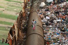 Running Out Of Water Earlier this year, an obscure United Nations document, the World Water Development Report, unexpectedly made headlines around the world. World Water, Run Out, Environmental Issues, Slums, Planet Earth, Climate Change, Science Nature, Around The Worlds, Urban