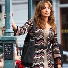 Flashback to Jennifer Lopez in the Back Up Plan rocking an Ellington favorite, the Sadie Hobo. Ellington Handbags, J Lo Fashion, Jennifer Lopez, Women Empowerment, Spring Summer Fashion, Beauty Women, Cute Dresses, Celebs, My Style