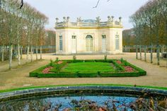 Petit Trianon at Versailles, one of the things that you cannot skip during your visit to Versailles. Read tips on getting Versailles tickets and avoiding the crowds at Versailles! Visit Versailles, Paris Bucket List, Day Trip From Paris, Group Tours, Summer Months, Buy Tickets, Cool Places To Visit, Day Trips, The Good Place