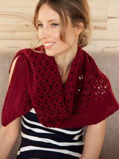 A rectangular triangular Marea scarf is crocheted from Novita Baby Merino yarn, starting from the sharp corner of the triangle. Lace Patterns, Stitch Patterns, Knitting Patterns, Crochet Hooks, Knit Crochet, Knit Fashion, Shawl, Cotton Linen, Women