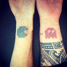 #tattoofriday - Ponto Cruz por Mariette, França.