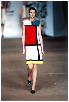 Yves Saint Laurent's 'Mondrian' dress (1965 Retrospective) ♥
