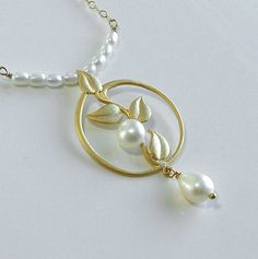 Pearl Necklace Vine And Leaves Circle Design Class by ZionShore