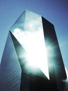 Fountain Place Tower, Dallas, Texas. Architect: I. M. Pei