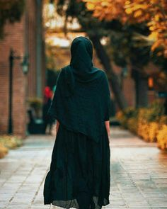 Alone Photography, Girl Photography, Hijab Fashion, Fashion Outfits, Womens Fashion, Girl Beach Pictures, Persian Girls, Hijabi Girl, Girls Dpz