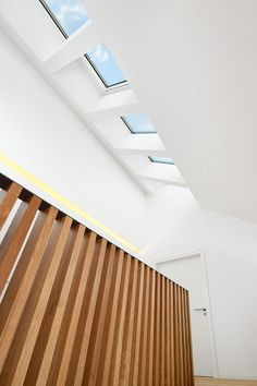 freie treppe wei stahl randger st holz elemente treppe. Black Bedroom Furniture Sets. Home Design Ideas