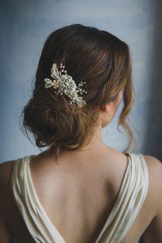 Beading floral comb, crystals and pearls, style 240 | New 2017 collection of Elibre handmade| Photography: Nadia di Falco Photography www.fotografamatr..., Wedding dress: Oui cheri, Make up & hairstyle: Stefania Bon, Model: Elena Semenzato