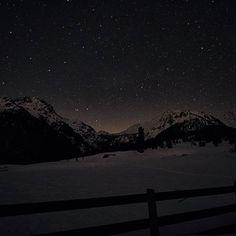 A sea full of stars  #nightphotography #night #astrophotography #olympusomd #nendaz #amoureuxdenendaz #inlovewithnendaz #monhiverenvalais #valaiswallis #valaisgravedansmoncoeur #adventure #enjoylife #monhiverenvalais #discover Northern Lights, Nature, Photos, Travel, Naturaleza, Pictures, Viajes, Destinations, Nordic Lights