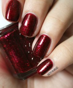 Essie Leading Lady on Glitter & Nails.  http://glitterandnails.blogspot.fr/2012/12/rubis-grenat-essie-leading-lady.html