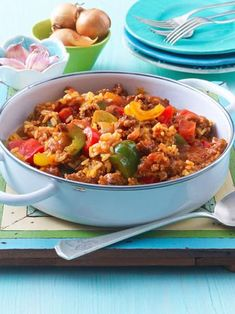 Unser beliebtes Rezept für Paprika-Hack-Pfanne mit Reis und mehr als wei… Our popular recipe for pepper-chopped pan with rice and more than more free recipes on LECKER. Healthy Dessert Recipes, Rice Recipes, Fall Recipes, Meat Recipes, Cooking Recipes, Good Food, Yummy Food, Popular Recipes, Main Meals
